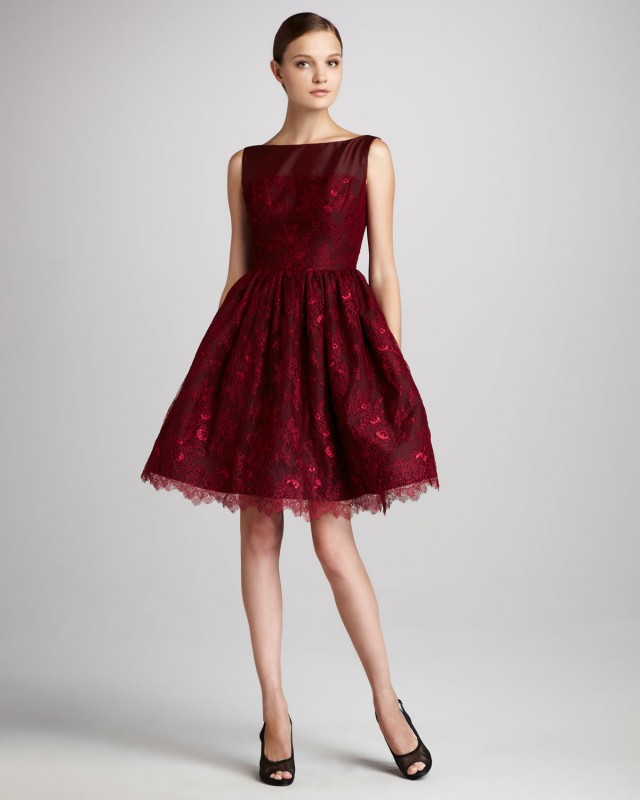 This dress by Monique Lhuillier is stunning!