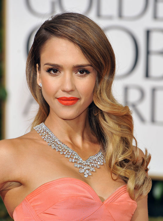 jessica_alba_harry_winston_golden_globes_2013_643914840_north_545x
