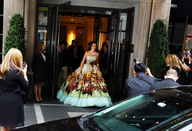 Coco Brandolini in this artistic Dolce and Gabbana number.